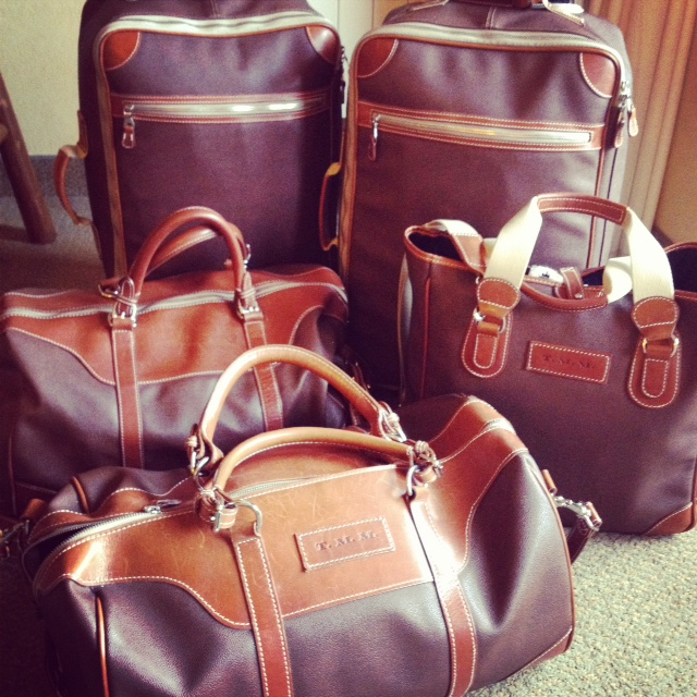 mulholland-luggage-leather-travel-bags